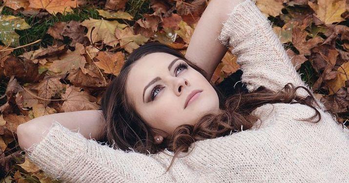 beautiful-girl-2003647__480